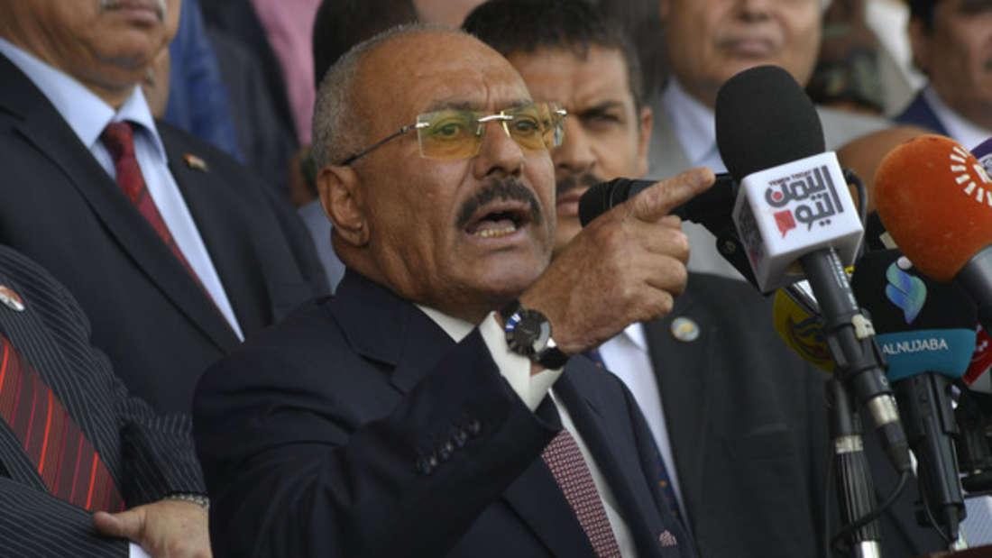 Ex-Präsident Saleh, von 1990 bis 2021 an der Macht im Jemen, galt als besonders korrupt. Vor seinem Sturz infolge des Arabischen Frühlings wurde ihm vorgeworfen, dass er große Geldsummen veruntreut habe. Sein geschätztes Vermögenliegt bei 64 Milliarden Dollar (circa 60 Milliarden Euro).