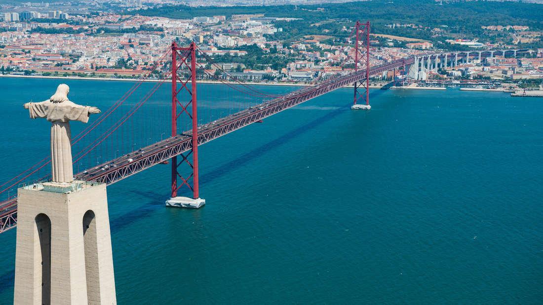 Portugal: Die Golden Gate Bridge in Lissabon.