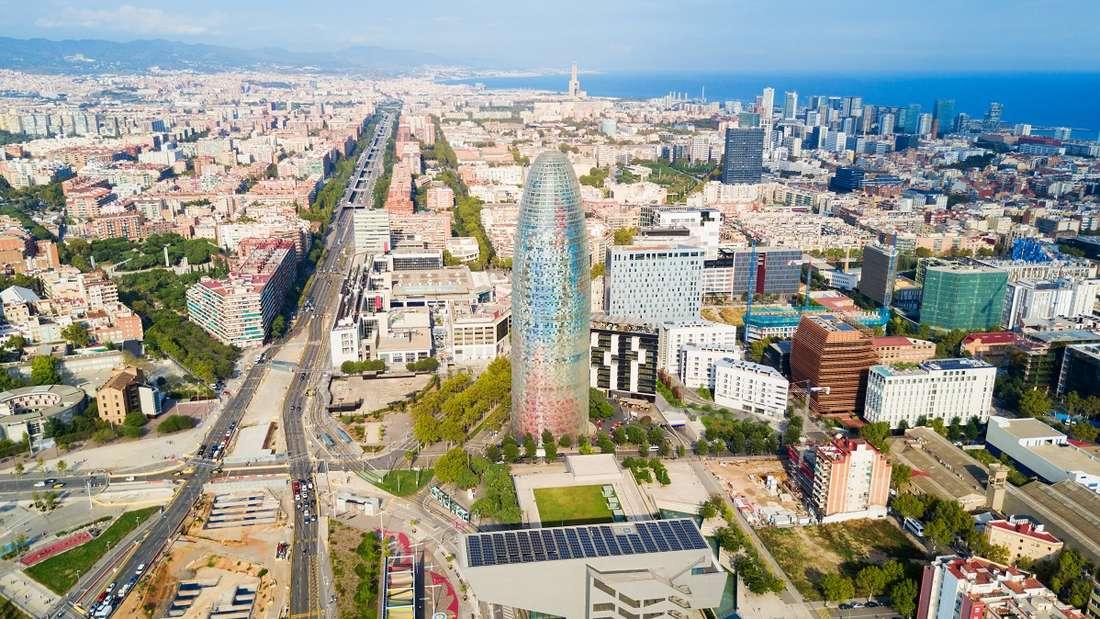 Spanien: Eine Gewürzgurke auf Abwegen.