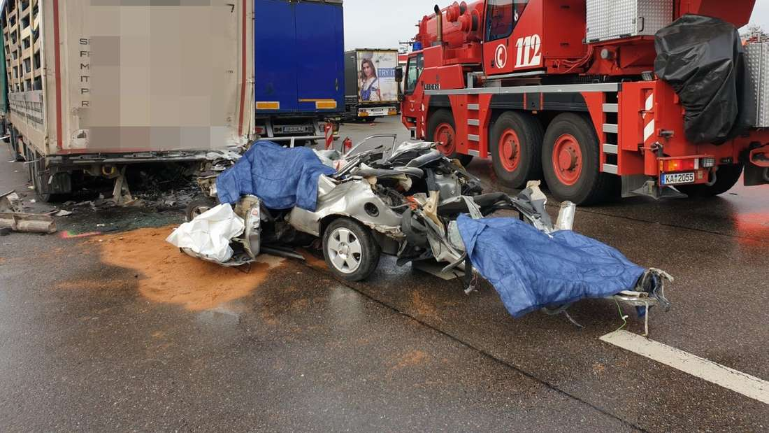 Die Unfallstelle an der A5 am Sonntag