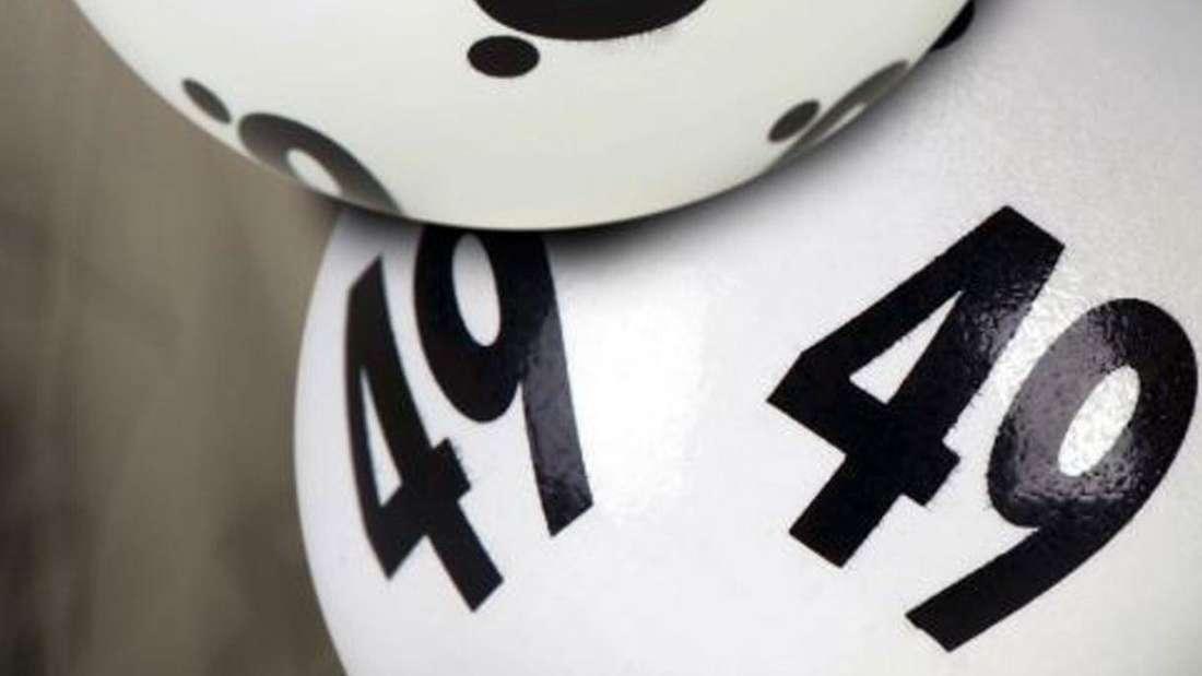 Ein krebskranker Mann kauft sich auf dem Weg zu seiner letzten Chemotherapie spontan einen Lottoschein - und macht Mega-Gewinn (Symbolbild).