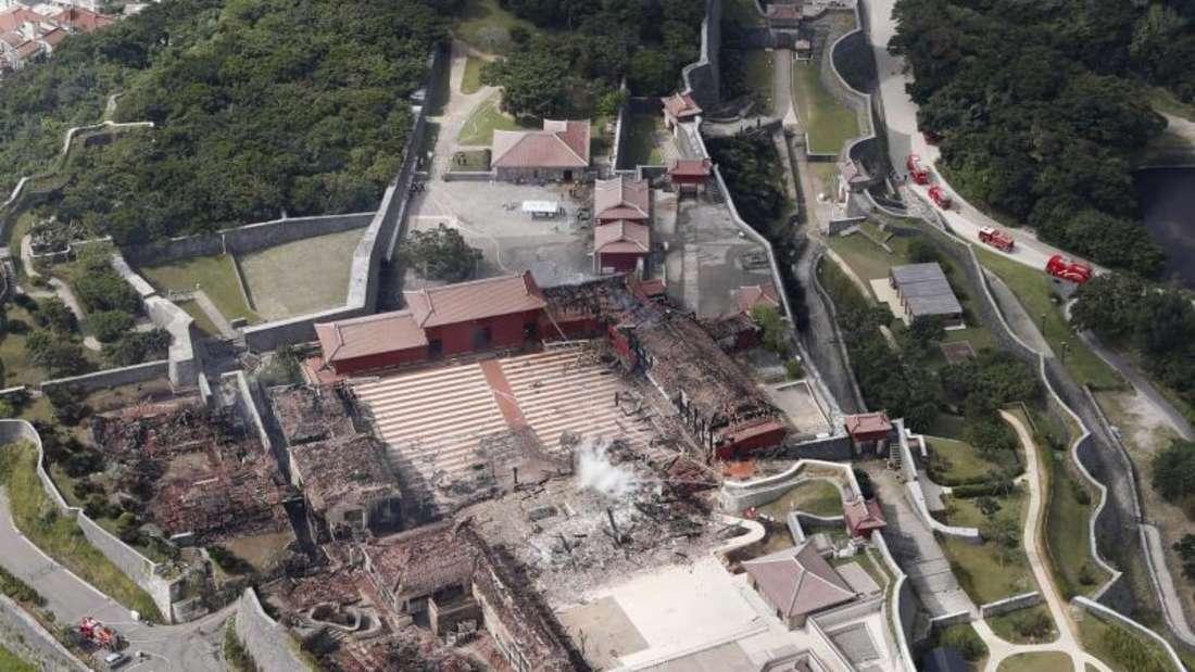 Mit der Draufsicht auf die Burg lässt sich der Umfang der Zerstörung ermessen. Foto: kyodo/dpa