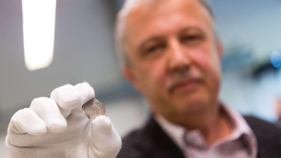 """Hobbytaucher fanden den """"wohl größten je in Israel gefundenen Goldschatz"""". (Symbolbild)"""