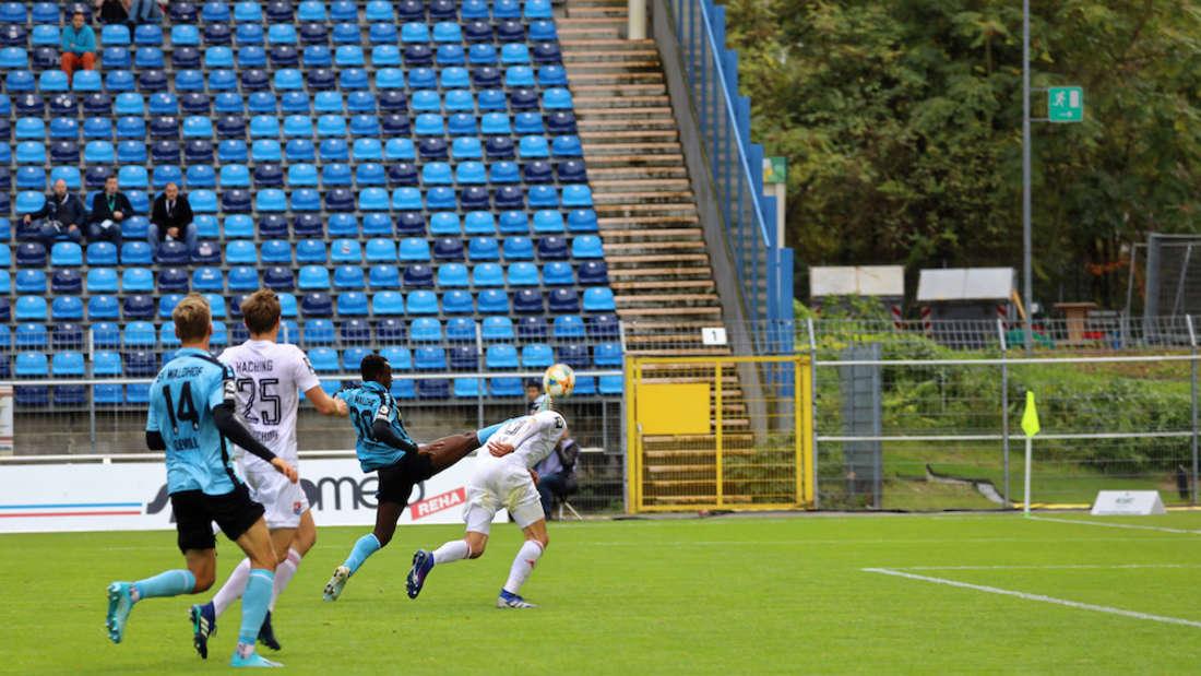 Der SV Waldhof Mannheim verliert im Carl-Benz-Stadion mit 0:3 gegen die SpVgg Unterhaching.