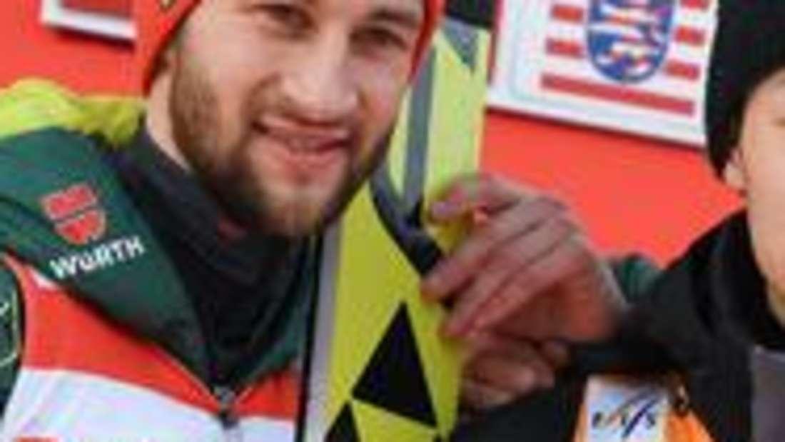 Skispringen: Markus Eisenbichler (links) und Ryoyu Kobayashi gehören zu den Anwärtern auf den Gesamtweltcup.
