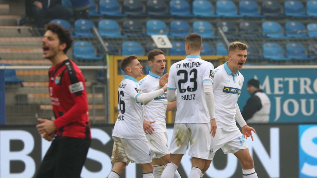 Der SV Waldhof Mannheim spielt am Sonntag gegen den Chemnitzer FC.
