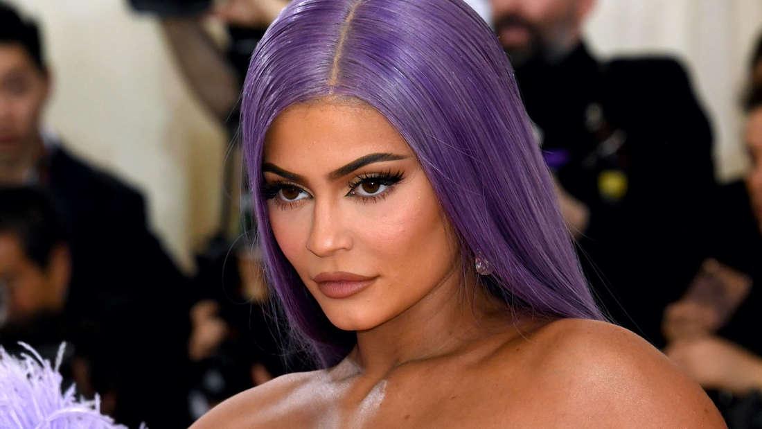 Kylie Jenner hat die Mehrheit ihrer Kosmetik-Marke verkauft.