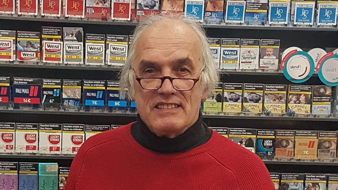 Kein Gewinn trotz Sechser im Lotto: Rainer Henning in seinem Frankfurter Laden.