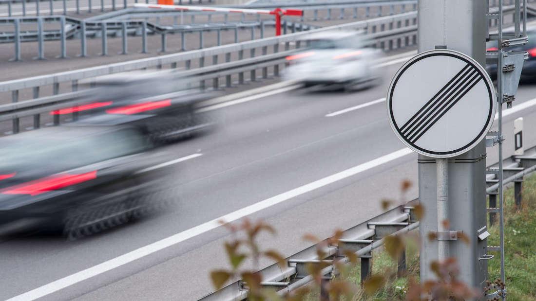 Illegales Autorennen auf B9 (Symbolfoto)
