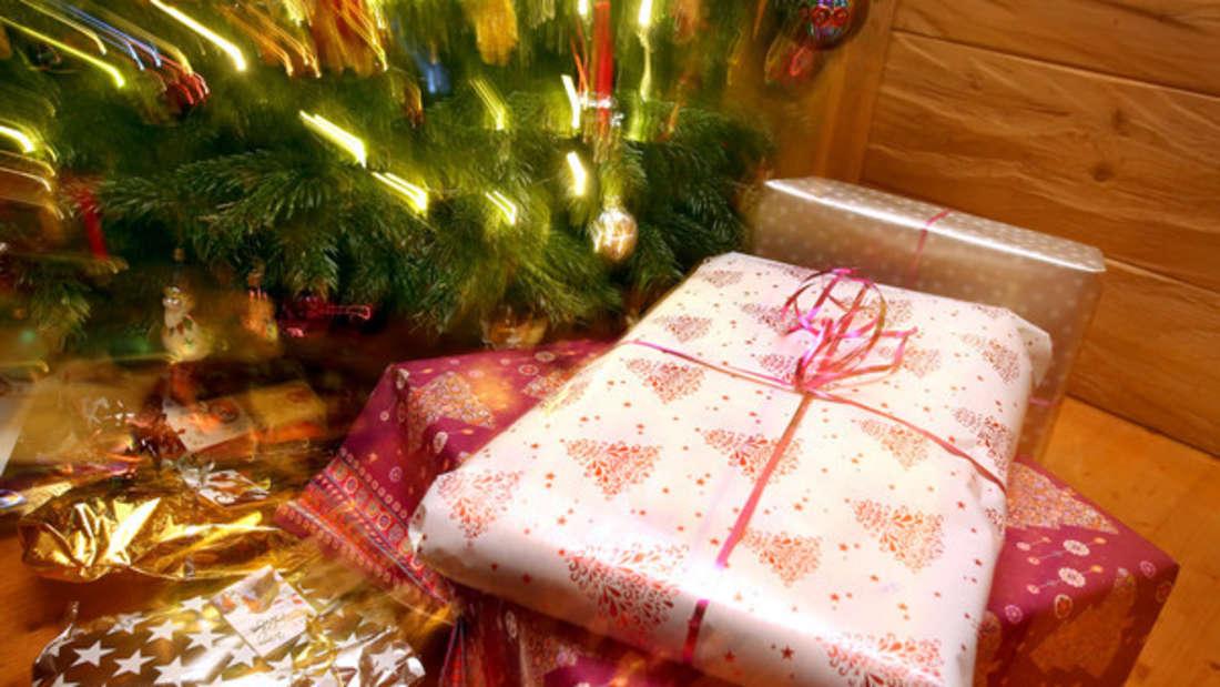 Weihnachtsgeschenke besorgenartet für manche in Stress aus. Doch so bekommen Sie noch Last-Minute-Schnäppchen.