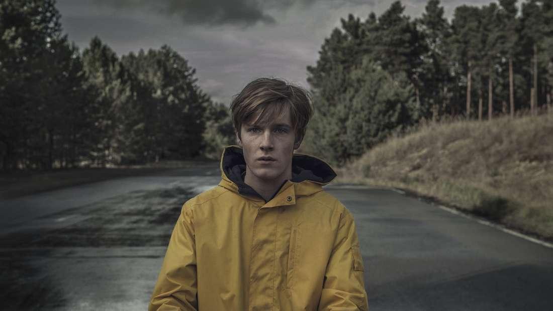 """Die deutsche Serie """"Dark"""" geht in diefinale Runde, denn die 3. Staffel soll auch die letzte sein. Laut Showrunner Baran bo Odar müssen Fans aber keine zwei Jahre auf die Fortsetzung warten, denn diese soll bereits 2020 auf Netflix laufen."""