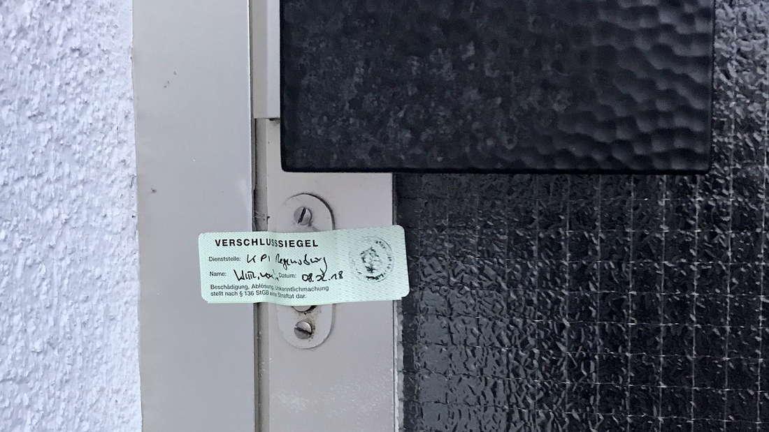 Die Polizei entdeckt zwei Tote in einer Wohnung in Mörfelden-Walldorf. (Symbolfoto)