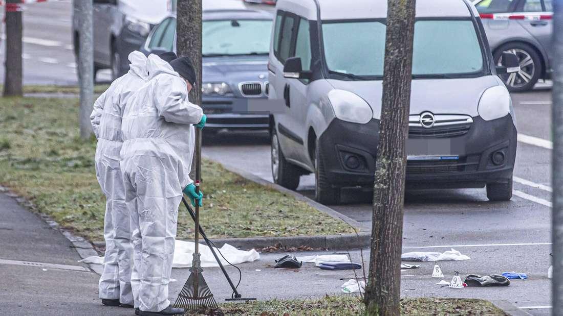 Polizei erschieflt Fahrer nach Verkehrsunfall - 32-J‰hriger greiftPolizisten mit schwert‰hnlichen Gegenstand an - wird erschossen undstirbt im Krankenhaus