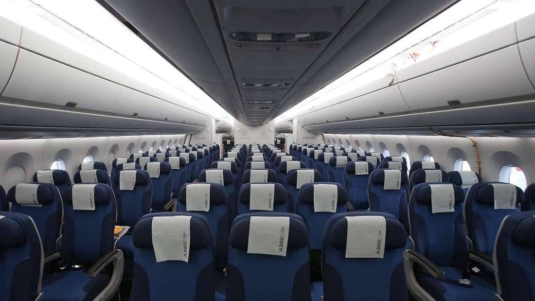 Manche Flugpassagiere müssen nochan ihren Manieren arbeiten.