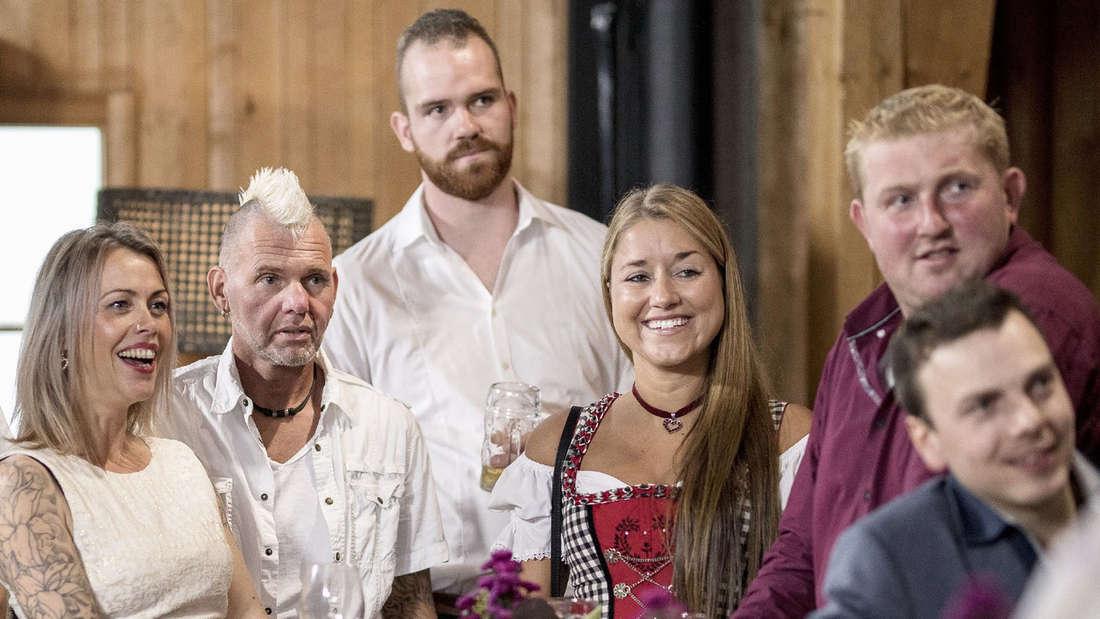 """Landwirte unter sich: Thomas und andere""""Bauer sucht Frau""""-Mitstreiter."""