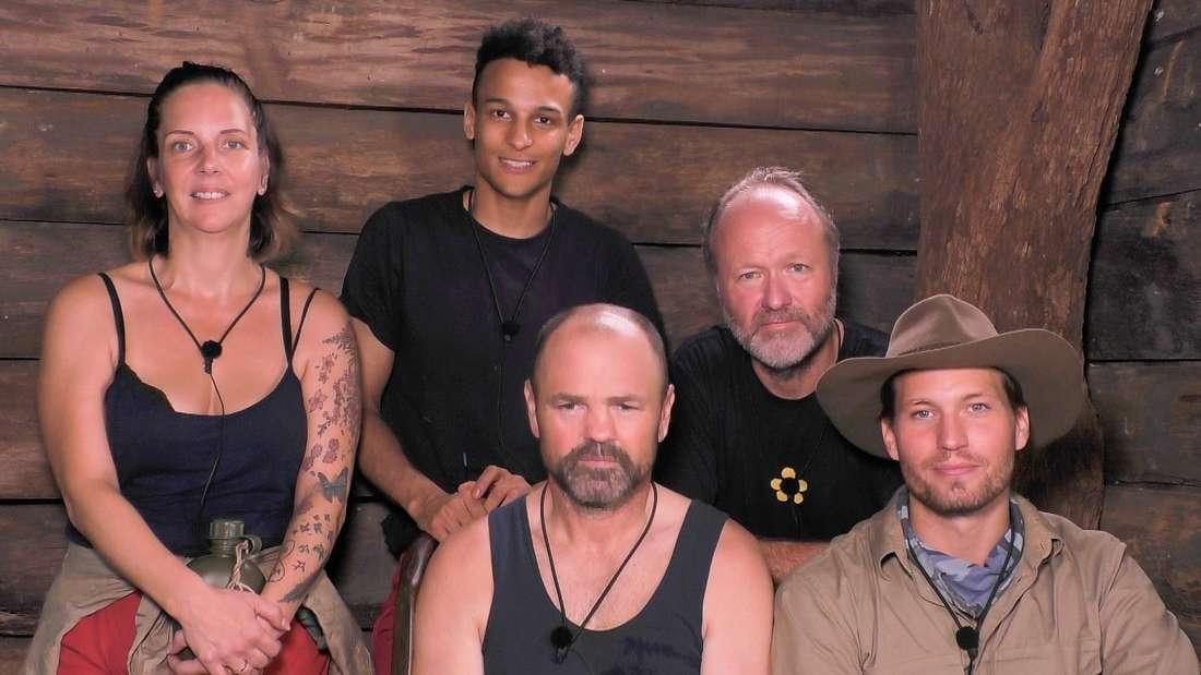 """Dschungelcamp 2020: Gruppenbild mit Dame vor der Dschungelprüfung""""Creek der Sterne""""."""