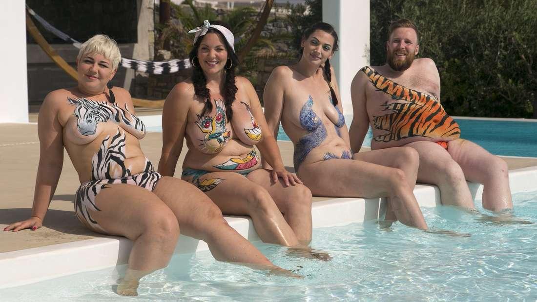 Glücklich durch Nacktheit? Anna Hirsch aus Bad Wildungen wagt das Experiment. Vier Coaches - alle nackt - unterstützen die Kandidaten.