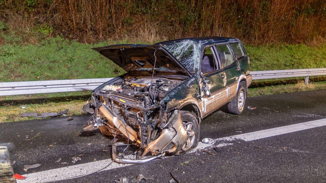 Bei einem Unfall auf der A5 wird ein Fahrer schwer verletzt.