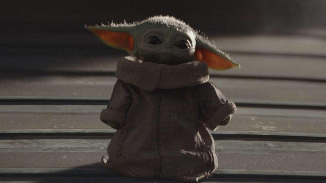 """Die """"The Mandalorian""""-Figur Baby Yoda ist nun wortwörtlich ein Panzer."""