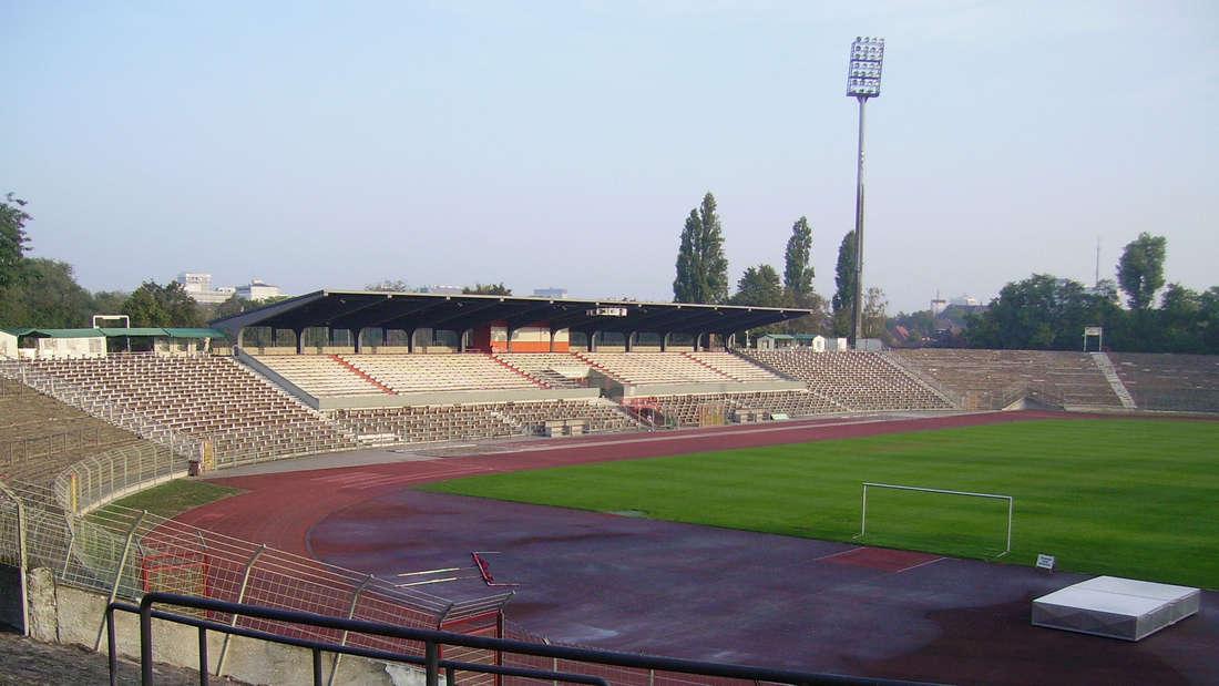 Das Südweststadion in Ludwigshafen (Oktober 2005).