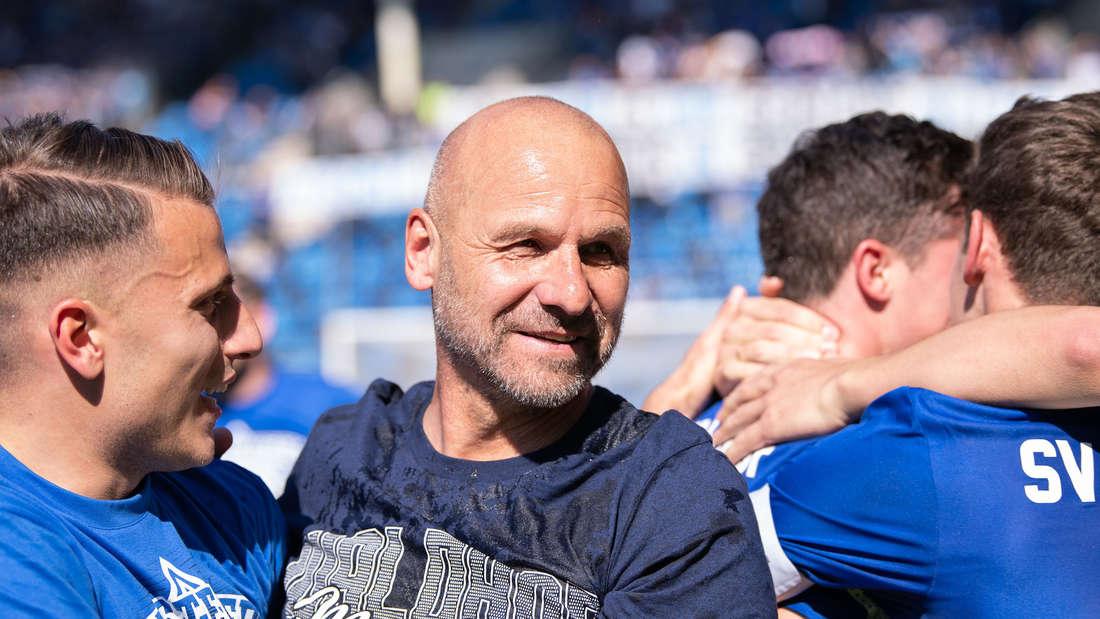 Bernhard Trares 2019 nach dem Aufstieg mit dem SV Waldhof Mannheim.