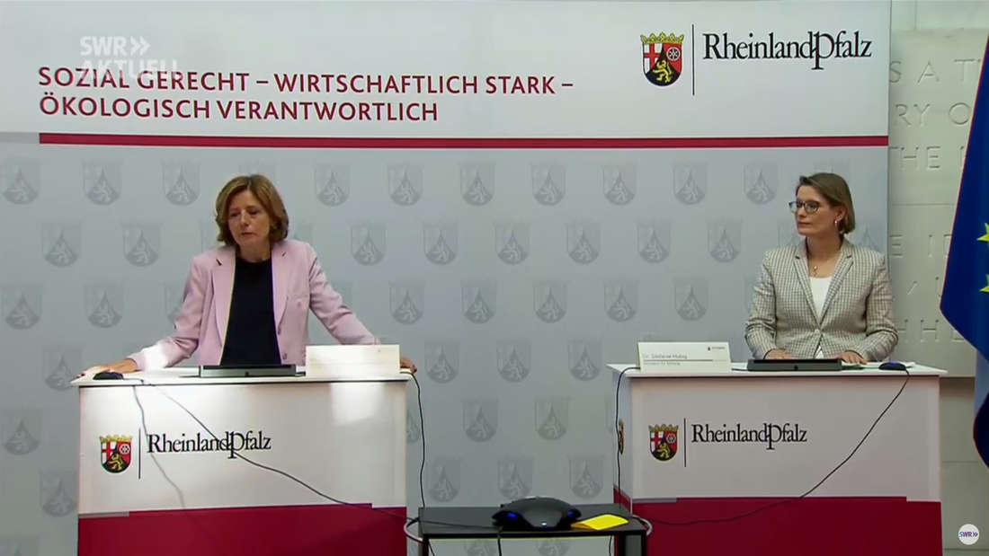 Ministerpräsidentin Malu Dreyer (l.) gibt Entscheidungen des Corona-Gipfels bekannt.