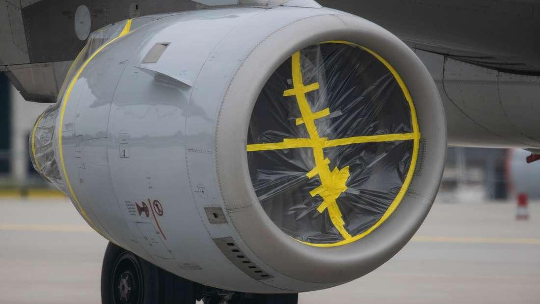 Stillgelegte Lufthansa-Maschine am Flughafen Frankfurt/Main