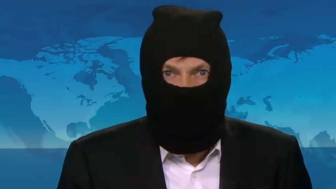 ARD-Kommentator mit Sturmhaube: Der Journalist Oliver Jarasch kritisiert die Maskenpflicht