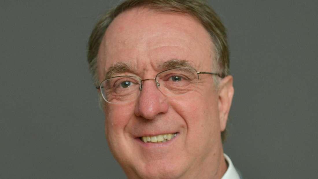 Prof. Dr. Georg Hoffmann ist Leiter der Kinderklinik am Universitätsklinikum Heidelberg.