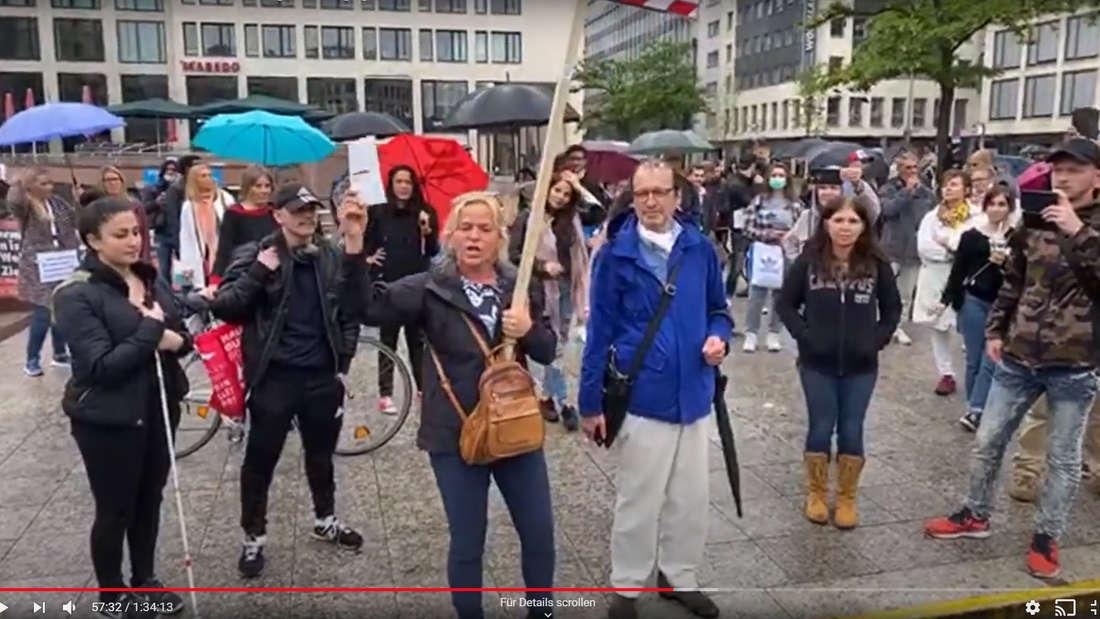 Teilnehmer der Demonstration in Frankfurt (9. Mai).