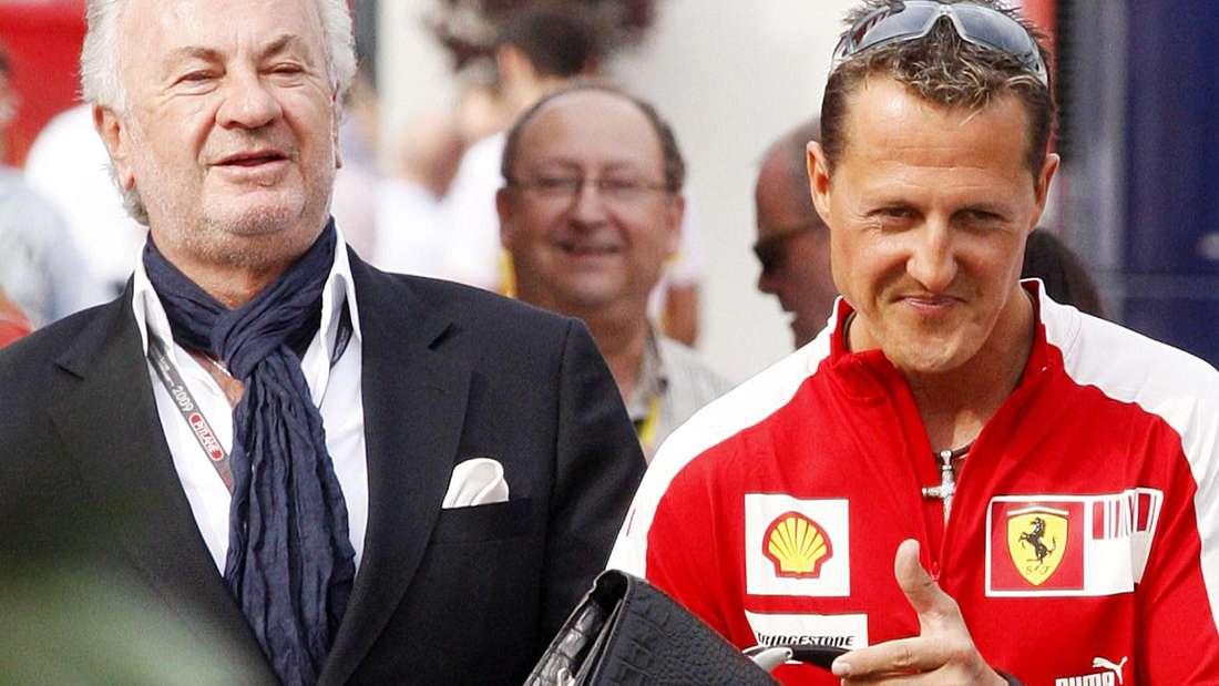Manager Willi Weber und sein Vertrauter Michael Schumacher - die Aufnahme stammt von Dezember 2009