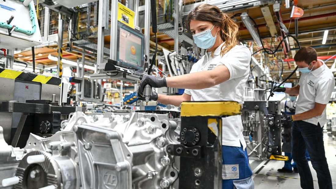 Der Automobilzulieferer ZF Friedrichshafen fährt nach der Corona-Krise die Produktion wieder hoch