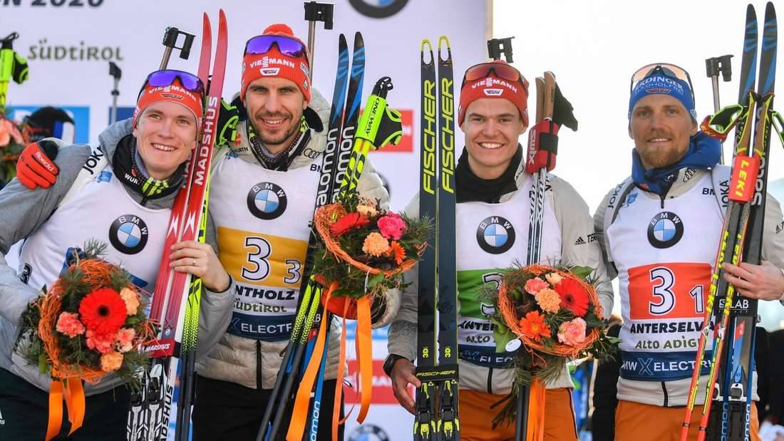 (von links): Benedikt Doll, Arnd Peiffer, Philipp Horn und Erik Lesser gewannen bei der Biathlon-WM 2020 in Antholz die Bronzemedaille in der Staffel und sind auch in der Saison 2020/21 Teil des deutschen Teams.
