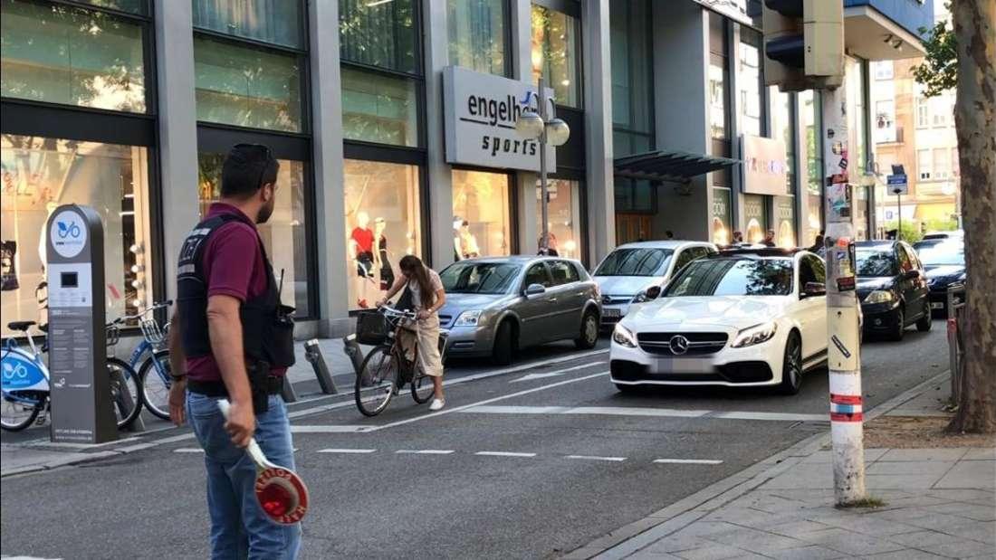 Die Einsatzgruppe Poser kontrolliert in der Innenstadt. (Archivfoto)