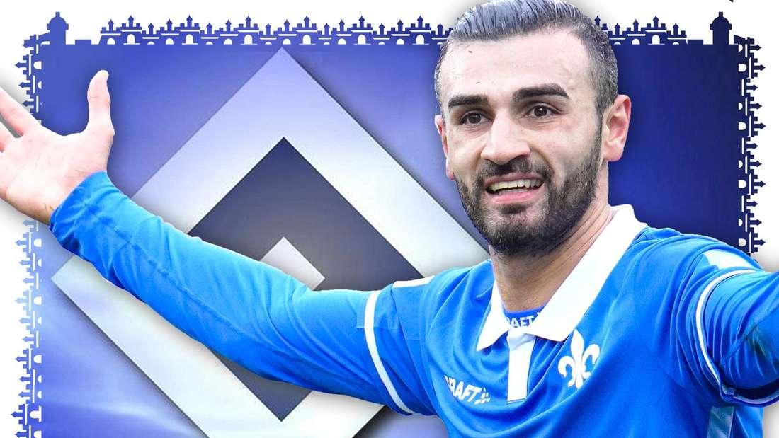 Serdar Dursun trägt ein blaues Trikot des SV Darmstadt 98 und hebt die Arme. Im Hintergrund ist eine HSV-Raute zu sehen.