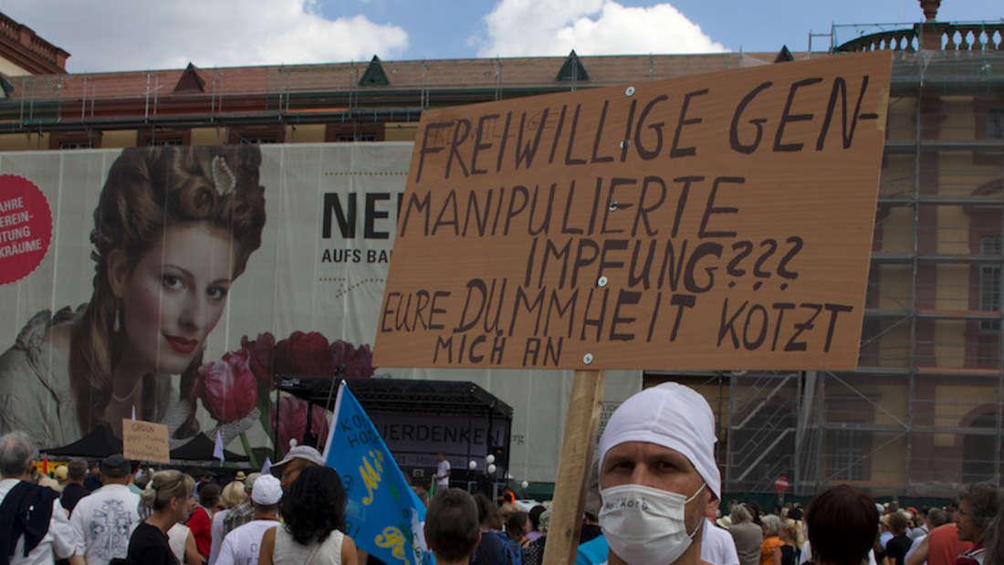 Demonstrant posiert für MANNHEIM24.