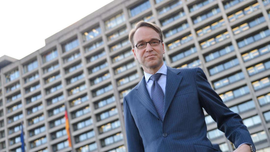 Jens Weidmann 2017 vor der Zentrale der Bundesbank in Frankfurt am Main