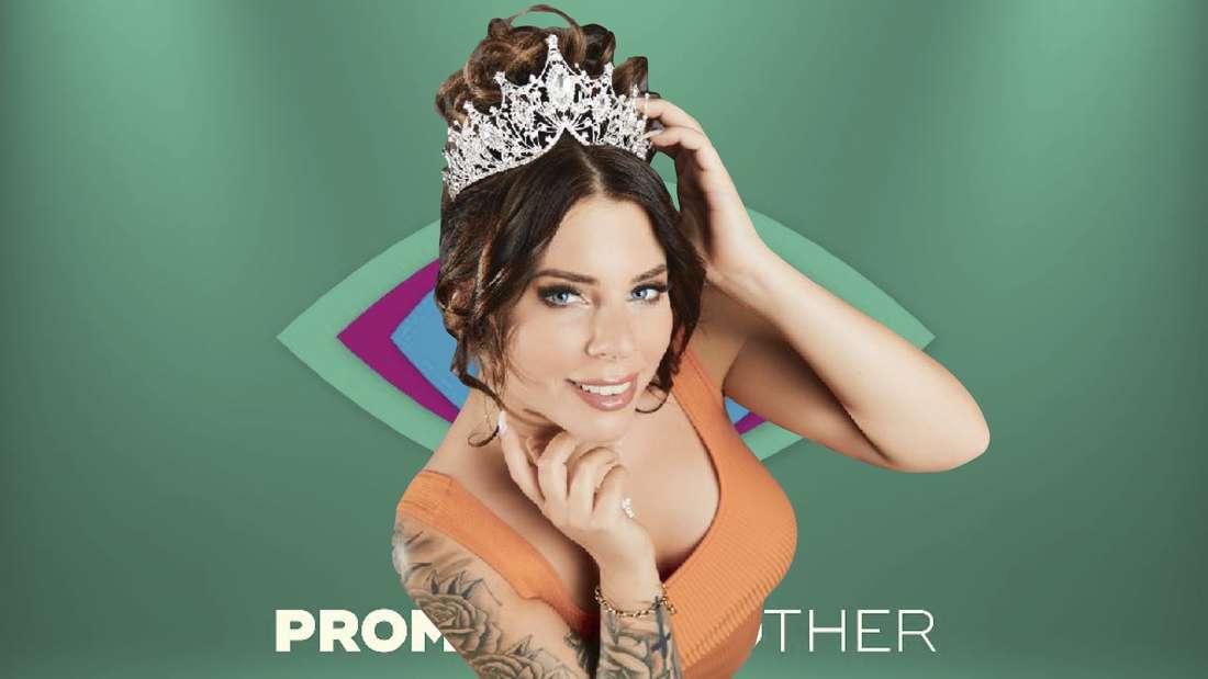 Jenny Frankhauser vor dem Logo von Promi Big Brother.