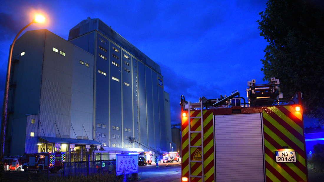Mannheim: Brand in einer Kühlanlage in einem Industriesilo auf der  Friesenheimer Insel.