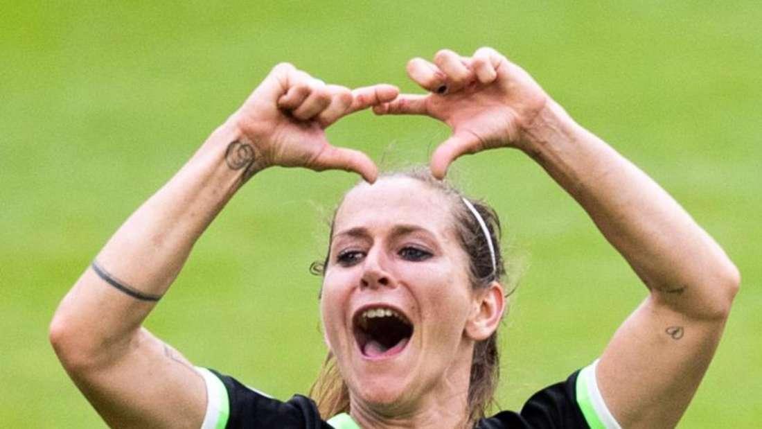 Möchte mit dem VfL Wolfsburg das Triple gewinnen. Foto: Marcel Kusch/dpa