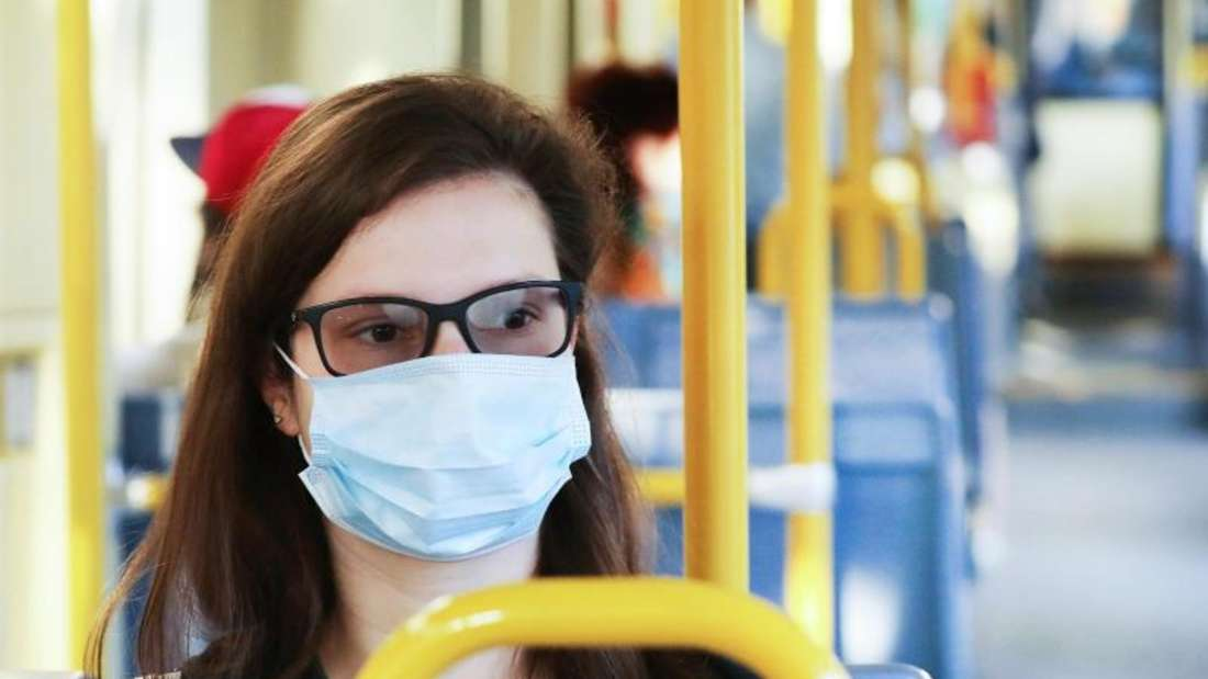 Bei Verstößen gegen die Maskenpflicht im ÖPNV können Bußgelder verhängt werden.