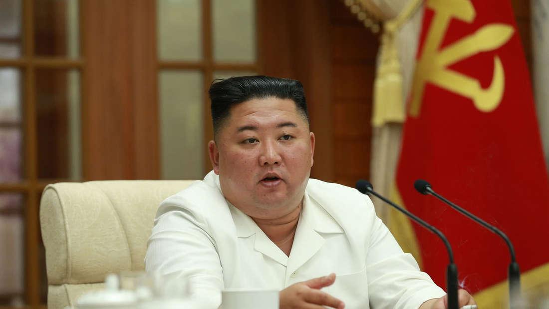 Nordkorea-Machthaber Kim Jong Un während einer Sitzung des Politbüros der Partei der Arbeit Koreas in Pjöngjang.