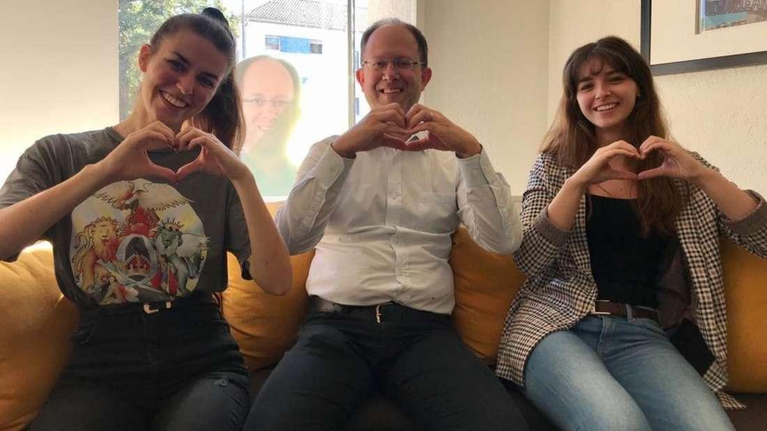 Die Bachelor-Studentinnen und der Chef halten die Stellung: Katrin Kempe (v.l.) mit Inhaber Chris Rihm und Tatjana Eckrich.