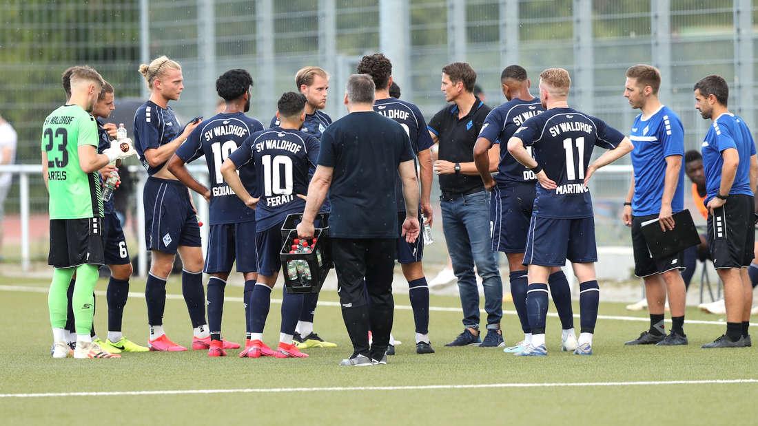 Beim SV Waldhof Mannheim hat es zwei positive Corona-Tests gegeben.