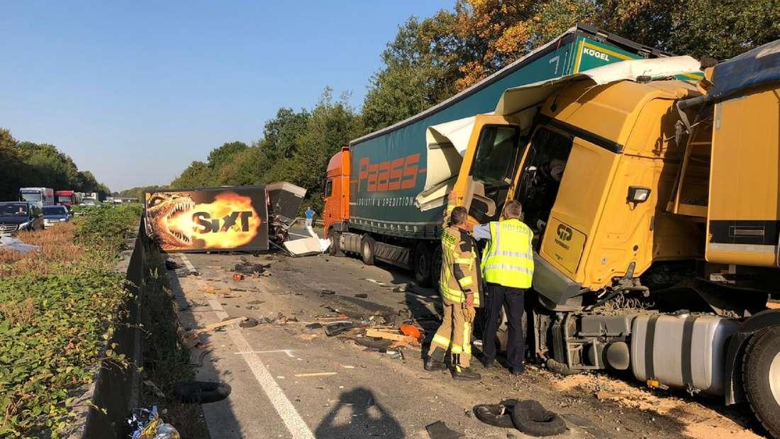 Auf der A44 in Richtung Dortmund kam es am Montag zu einem schweren Lkw-Unfall.
