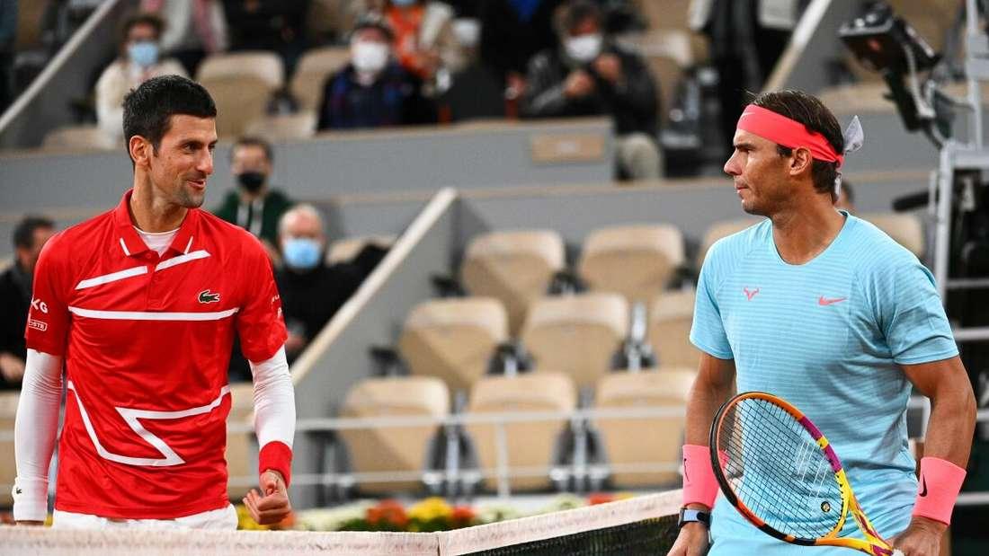 Novak Djokovic (l.) gegen Rafael Nadal beim French-Open-Finale.