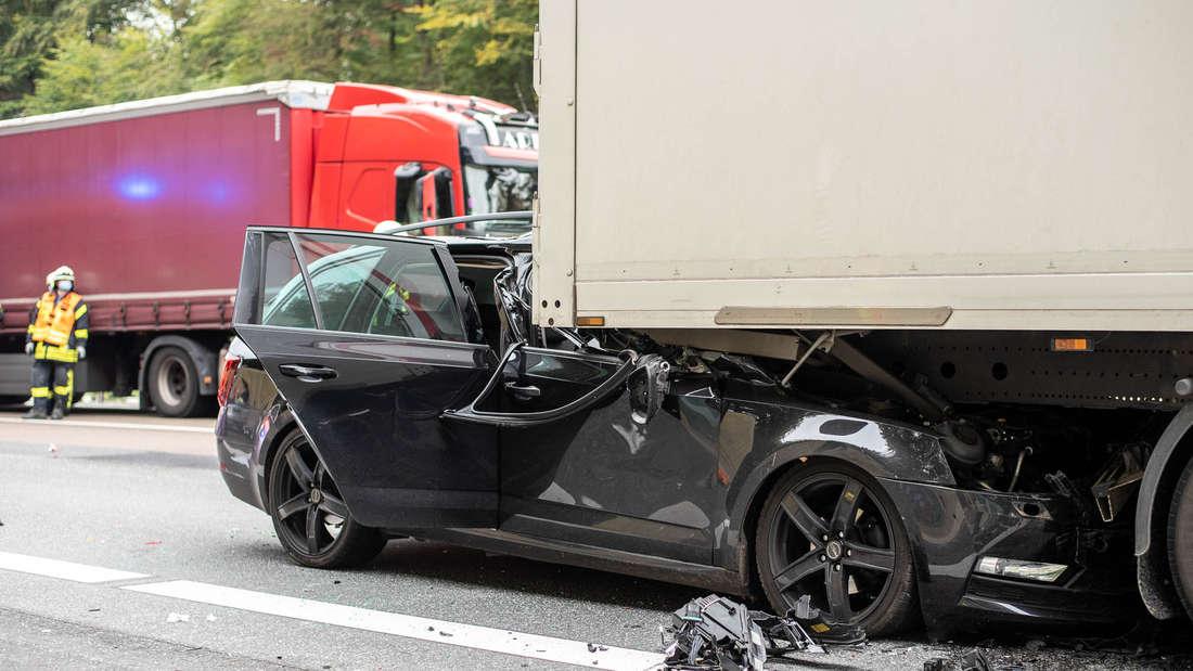 Nachdem Umweltaktivisten die A3 bei Idstein blockiert hatten, kam es zum schweren Unfall.