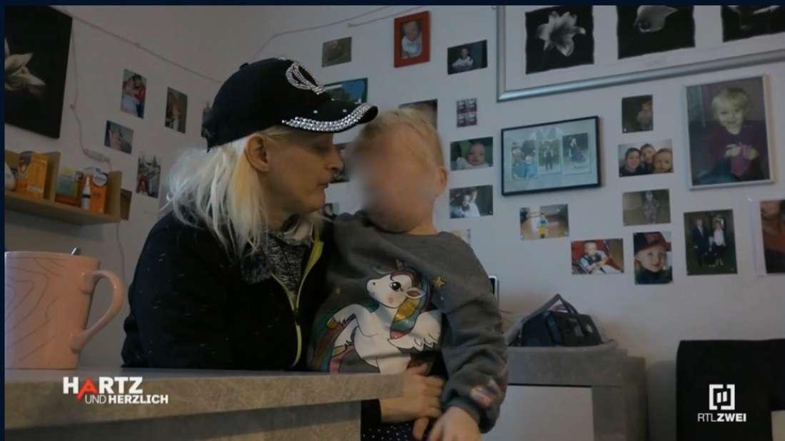 Christine und ihre Tochter Sophia (4)
