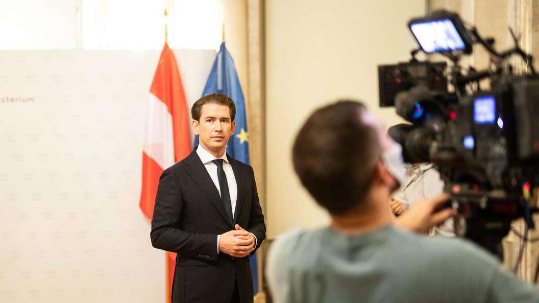 Österreich, Wien: Dieses vom Bundeskriminalamt zur Verfügung gestellte Foto zeigt Bundeskanzler Sebastian Kurz (ÖVP) im Rahmen eines TV-Statements.