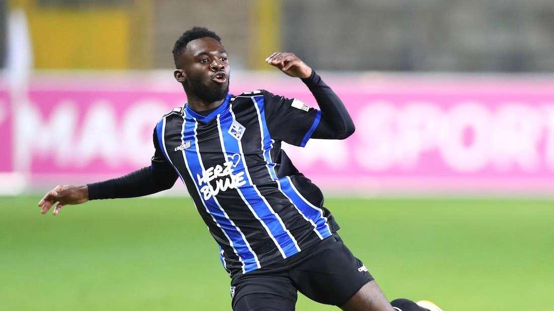Waldhof-Stürmer Joseph Boyamba beim Spiel gegen den F.C. Hansa Rostock.